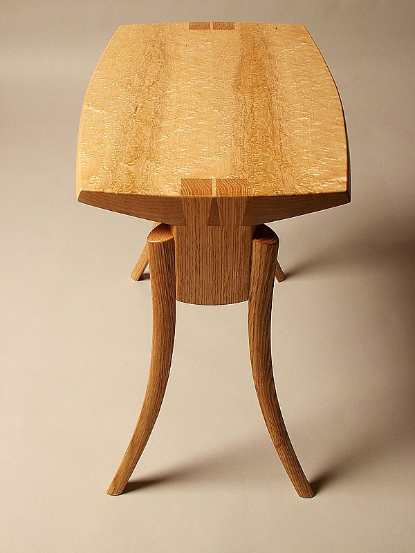 Be Maple And Oak Table